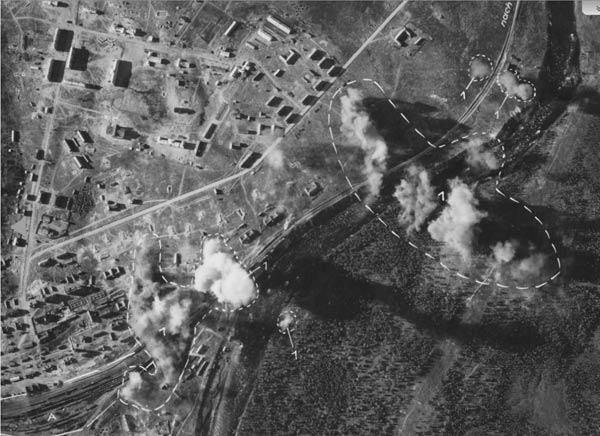 Результат бомбардировки ж.д. станции Кандалакша